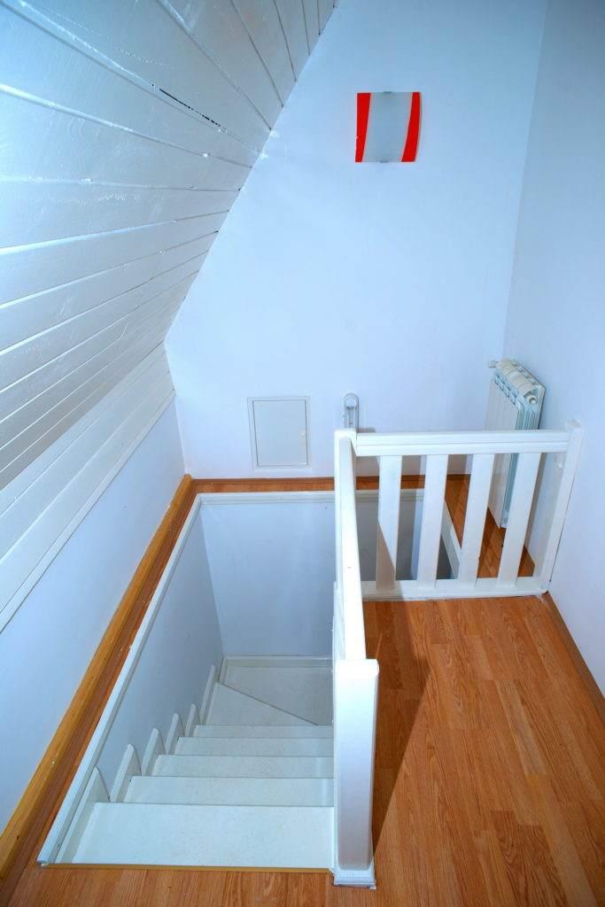 28-Green House Divcibare Kuca Smestaj Apartmani-Sprat Hodnik I Stepenice